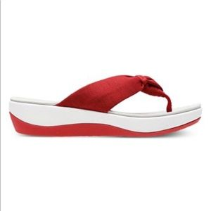 Clark's Cloud Steppers Red Flip Flops